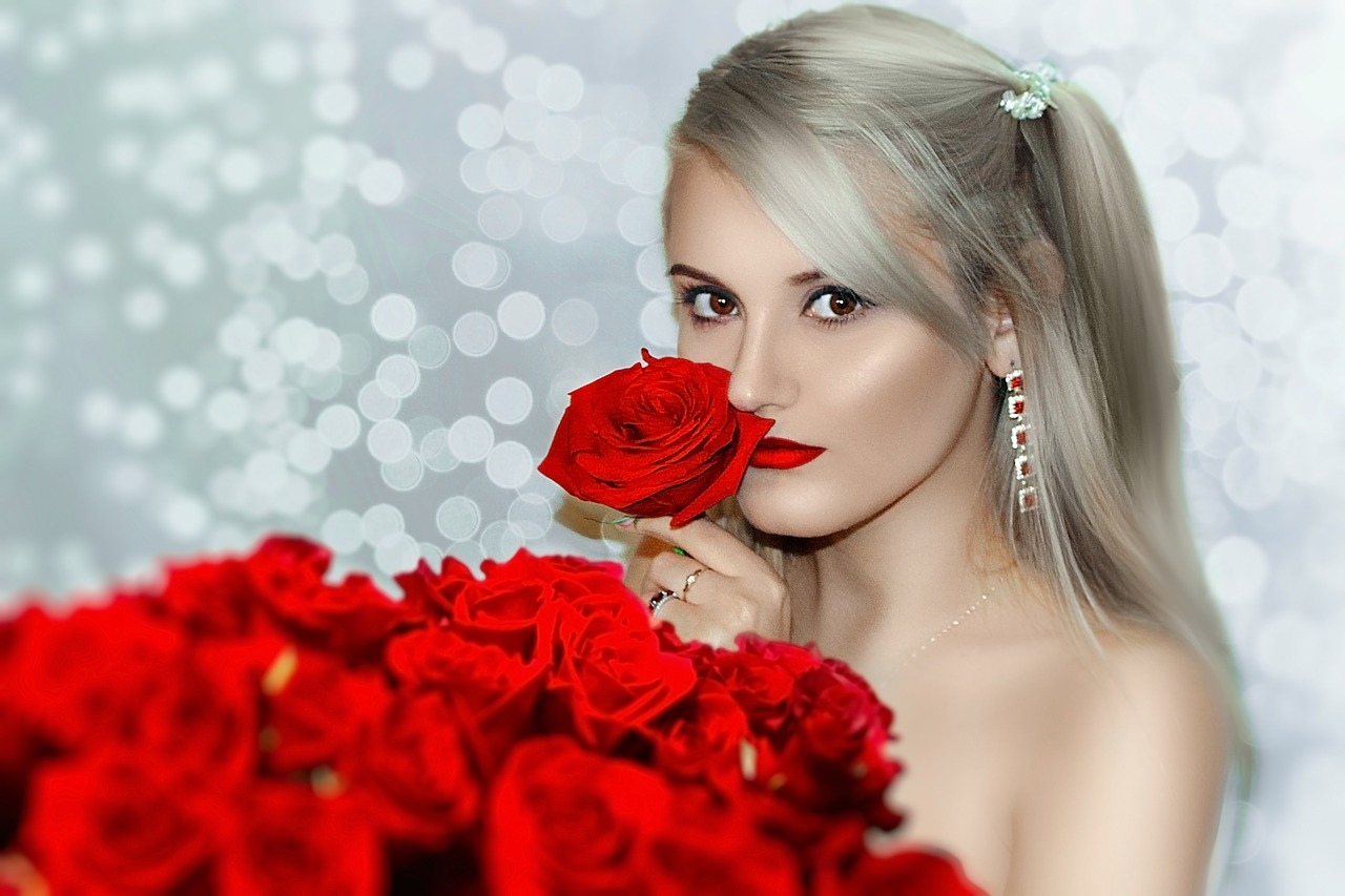 Red Rose Girl | Red Hoses | Red Roses
